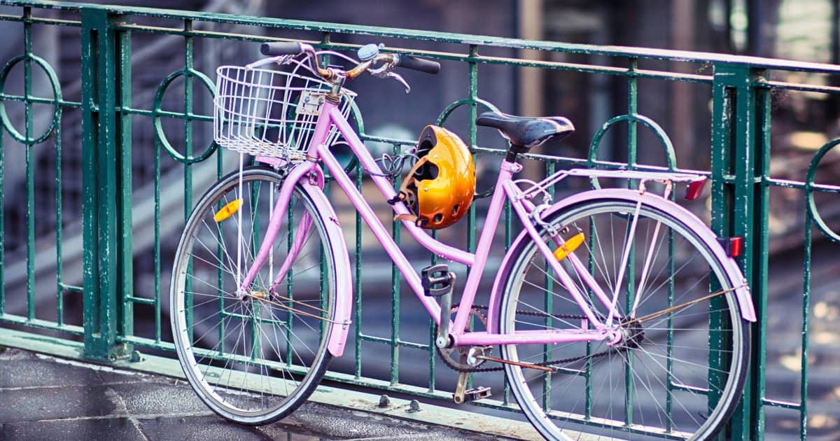 how to stay professional while biking to work - image of a woman's bike