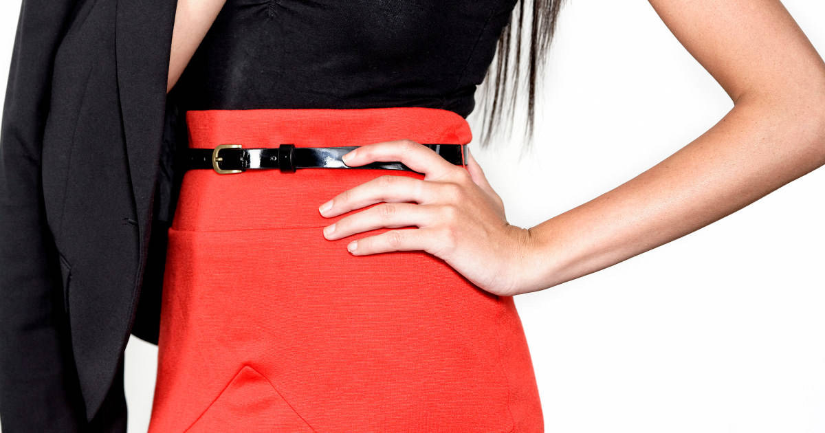 how to wear belts with skirts